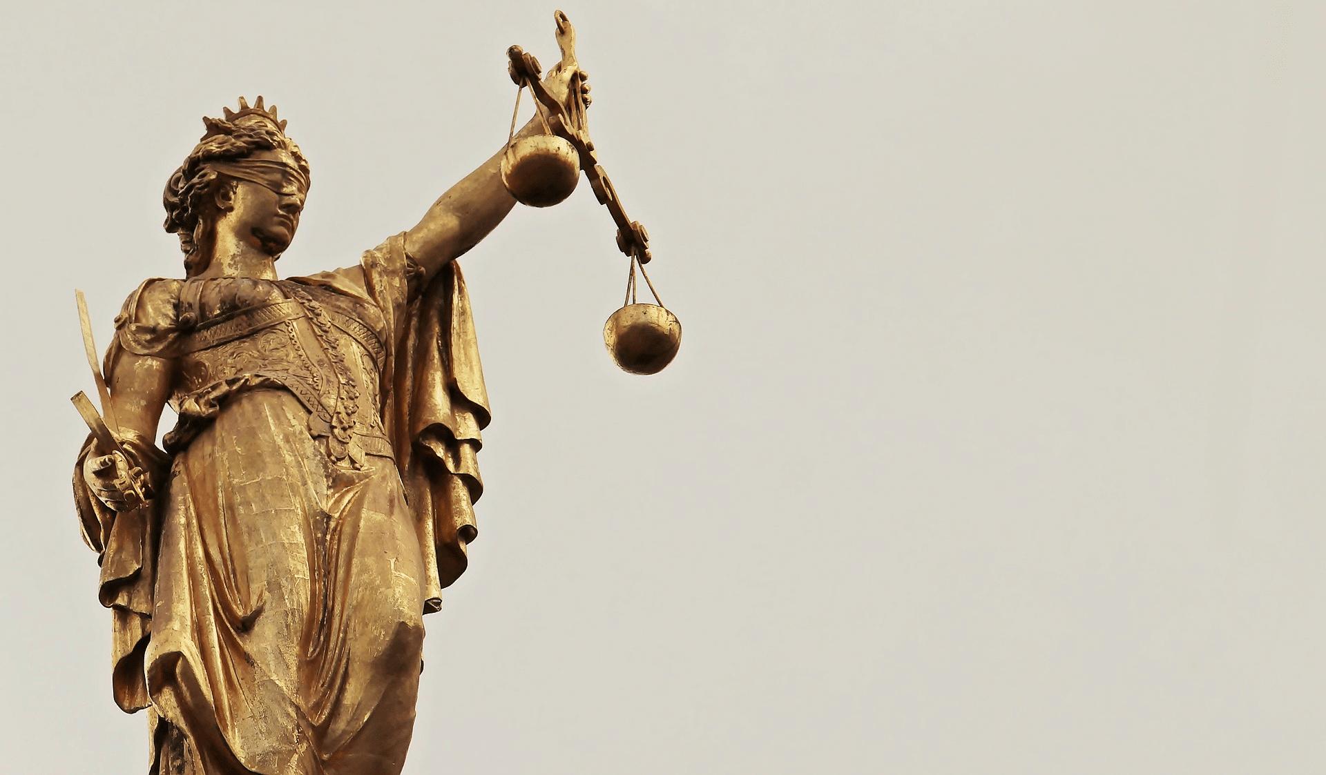 Illinois loi 18 ans datant de 16 ans datant marchant sur des coquilles d'oeuf